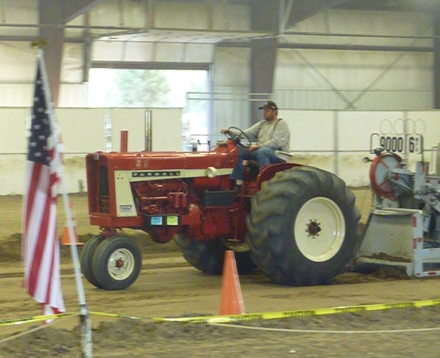 Waters tractor llc ih farmall 806 freerunsca Images